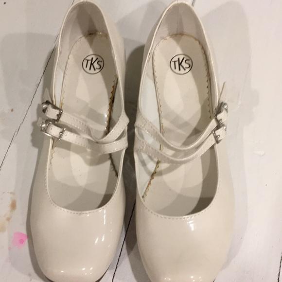 Girls Cream Colored Dress Shoes | Poshmark